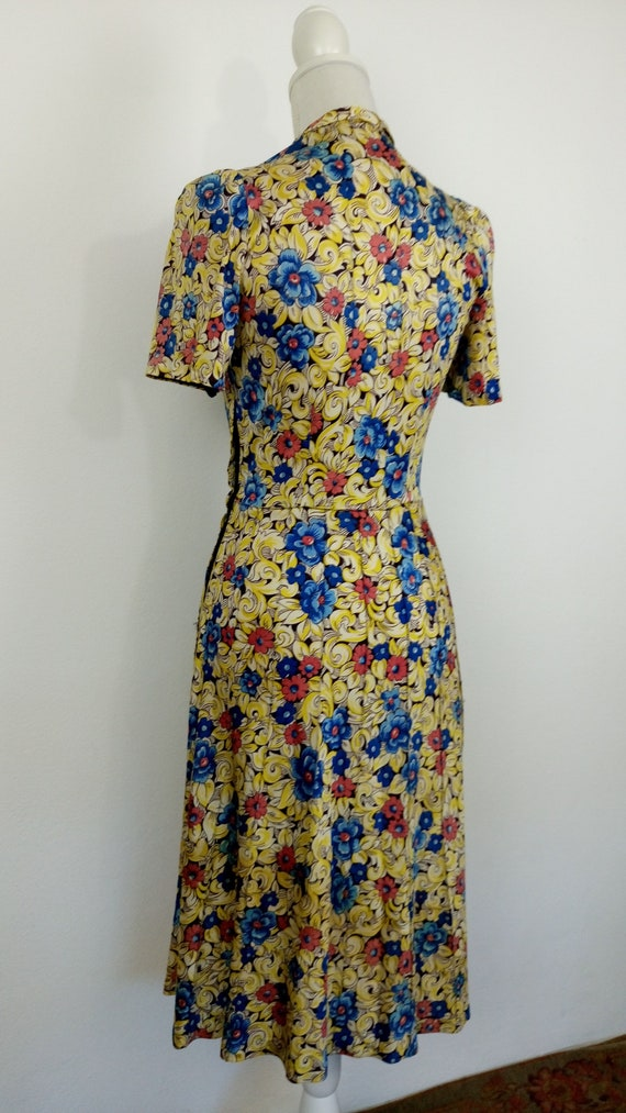 Vintage 1940s Floral Rayon Jersey Dress/size S - image 9