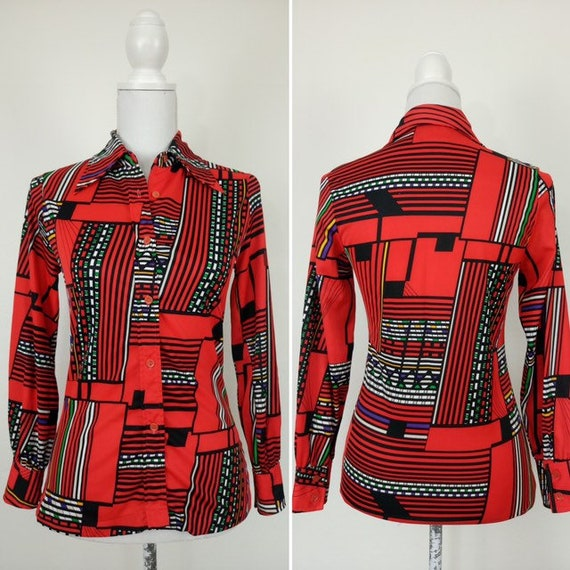 1970s Red Blouse/slim fit top/geometric psychedeli