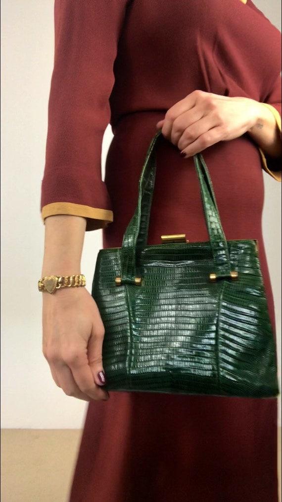 Vintage 30s/40s emerald green skin handbag by Bass
