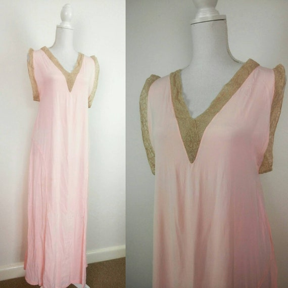 Vintage 30s pink silky rayon and lace bias cut nig