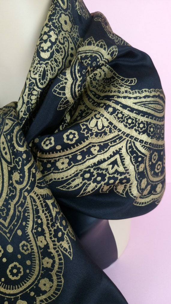 Vintage 30s/40s black and gold Barocco silk scarf - image 5