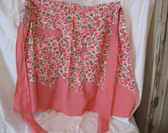 Cute  Cute  vintage pink roses apron with pink  trim and detail