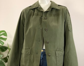 vintage olive green army utility jacket 80s