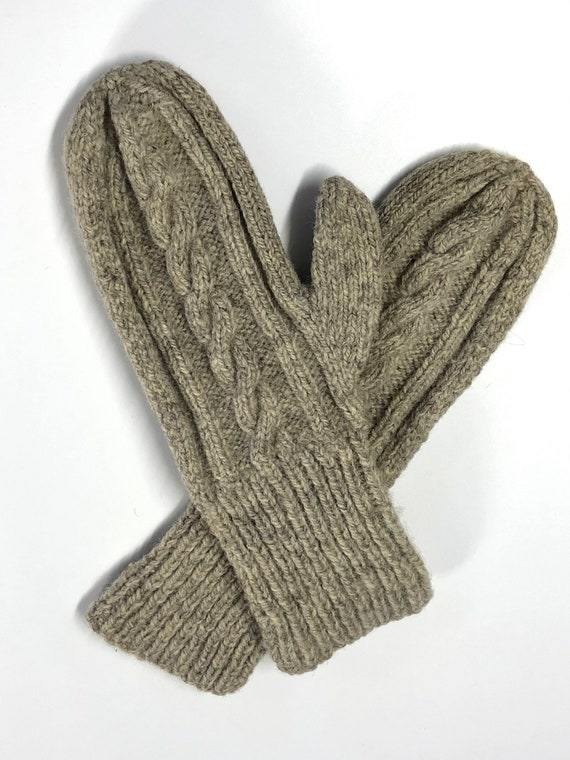 vintage hand cable knit wool mittens 80s