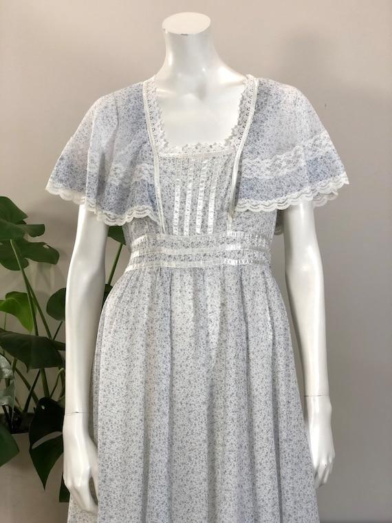 vintage Gunne Sax tiny floral print lace & ribbon… - image 2