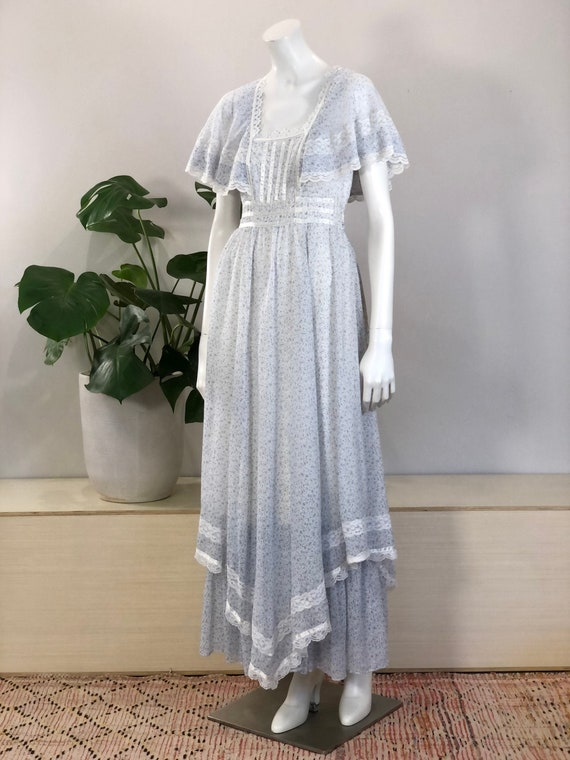 vintage Gunne Sax tiny floral print lace & ribbon… - image 1