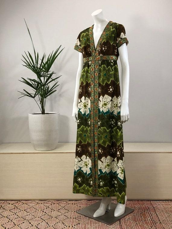 vintage green forest batik print barkcloth maxi dr