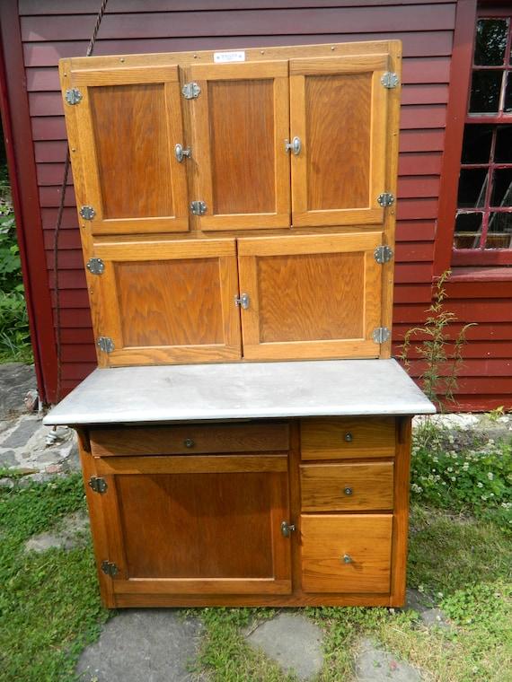 1914 Hoosier White Beauty Oak Hoosier Cabinet with flour sifter and door  mount sugar bin