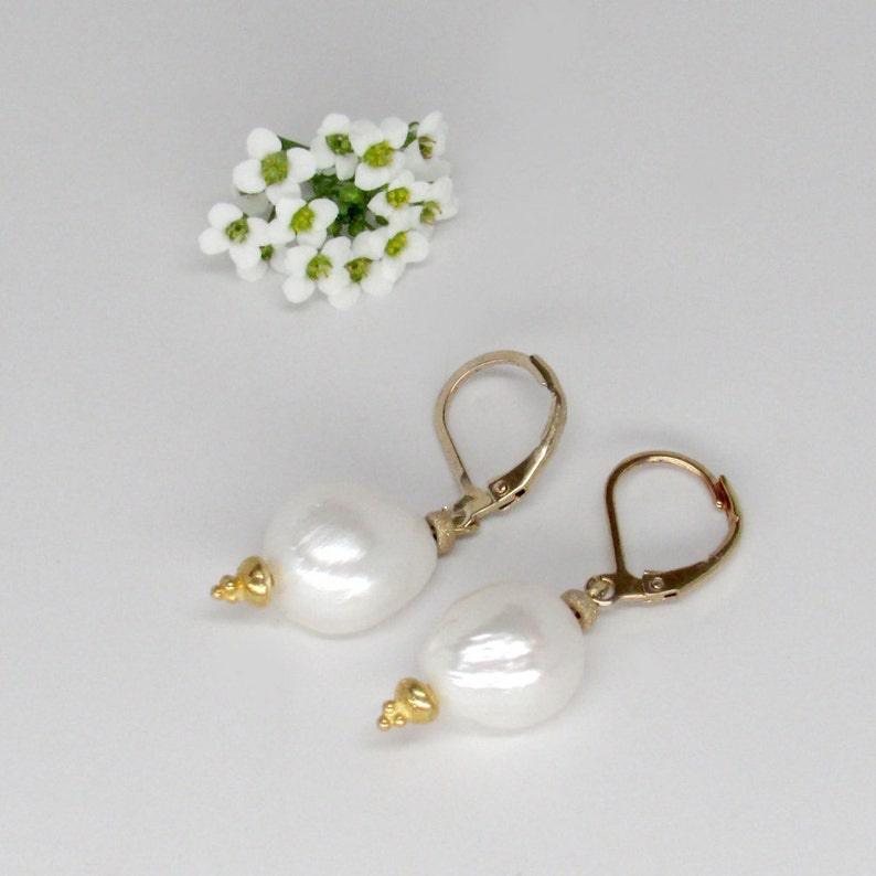 white pearl earrings with gold sparkle details baroque white pearl drop gold earrings baroque pearl earrings baroque pearl jewelry in gold