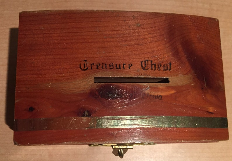Vintage Indianola Iowa Wood Souvenir Trinket Treasure Chest Bank Measures approximately 4 34 inches by 3 inches and is about 2 34 inches
