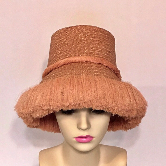 Wonderful 1940s straw sunhat, with  plush fringe a