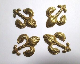 4 Vintage Fleur de Lis Brass Stampings