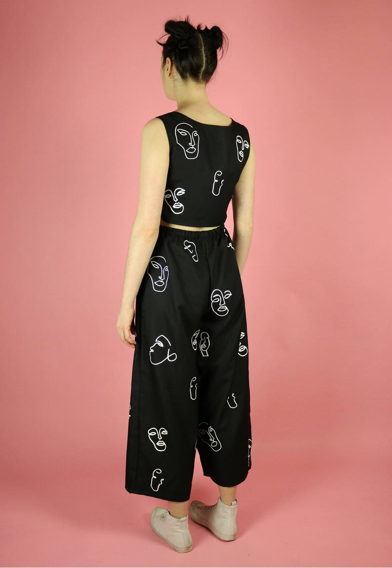 Line Drawing Faces Print Black Wide Leg Crop Trousers Pants High Waist Cropped Bottoms