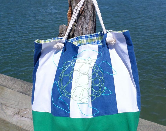 Sea Turtle Striped Beach Bag / Blue, Green & White Striped Canvas Beach Bag / Hand Embroidered / Large Handmade Bag / Unique Rope Beach Bag