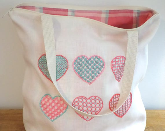 Swedish Hearts Hand Embroidered Linen Tote Bag Set / Hallandssöm Hearts / 100% Linen Zippered  & Wallet / Valentine Bag / Made in Maine