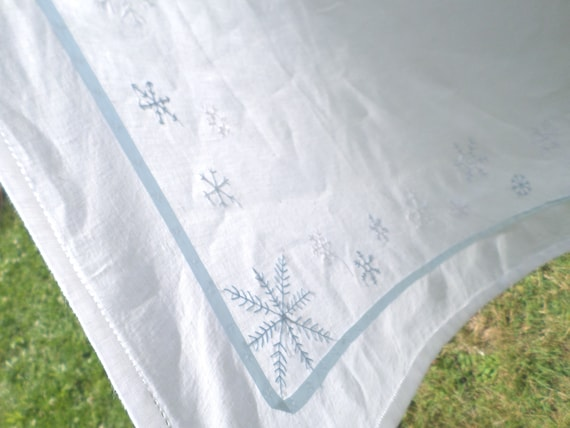 NEW Hand Embroidered 100% Linen Snowflake Tablecloth / White / Winter / Scandinavian Folk Design / Silk Hand Embroidery / Made in Maine