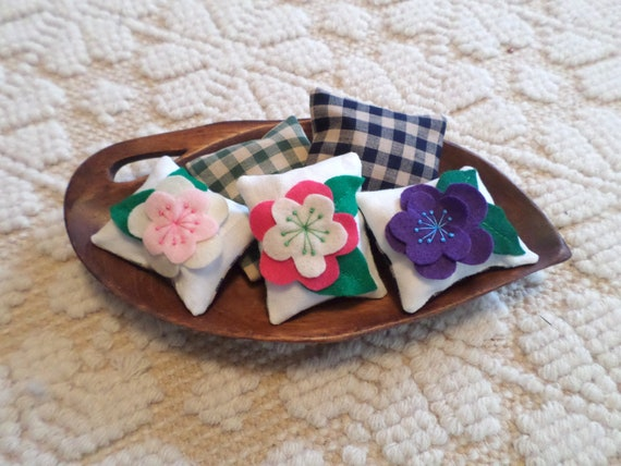 Lavender Sachet, Hand Embroidered, Made in Maine