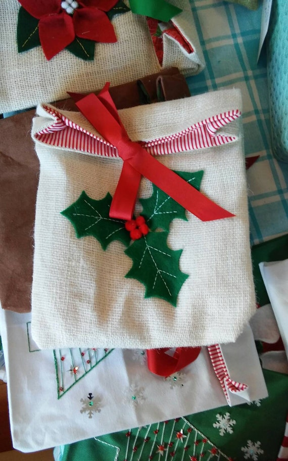 Burlap Holiday Gift Bag, Reuseable Christmas Fabric Gift Bag, Holly, Black Bear Gift Bag, Made in Maine