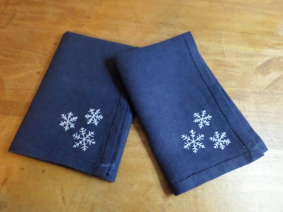 Winter Snowflake Linen Napkins, Set of 4, Hand Embroiderd Holiday Linen Napkins, Made in Maine