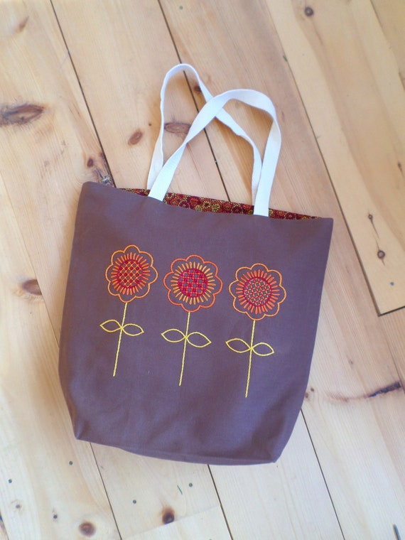 Autumn Flowers Hand Embroidered Tote Bag / Brodera Hallandssom Purse / Unique Scandinavian Folk Tote Bag / Zippered Tote / Made in Maine