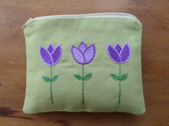 Scandi Tulip Flowers Zipper Bag / Hallandssöm Hand Embroidered Swedish Folk Embroidery Clutch / Spring Flowers Purse / Made in Maine