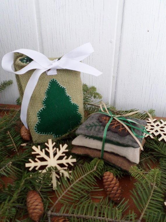 Maine Balsam Fir Sachet Gift Set, Hand Embroidered, Made in Maine