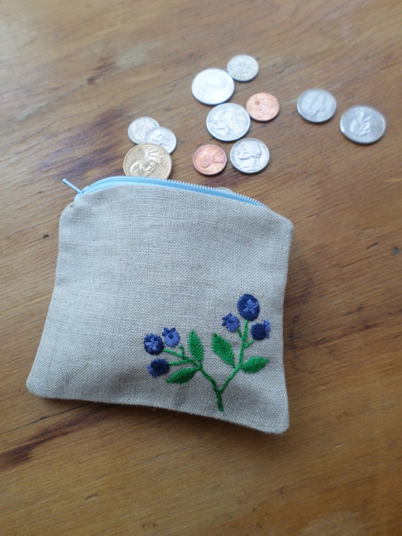 Linen Coin Purse / Hand Embroidered Wallets / Wild Maine Blueberries / Zipper Pouch / 100% Linen / Made in Maine