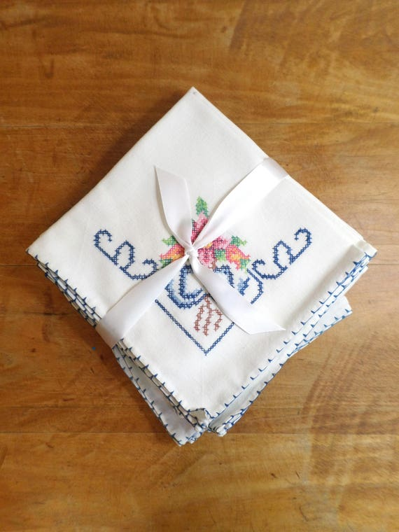 Vintage Hand Embroidered Linen Napkins, Set of 11 White Linen Embroidered Napkins, Cross Stitch Hand Embroidered Linens