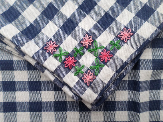 Hand Embroidered Gingham Tablecloth & 4 Napkin Set