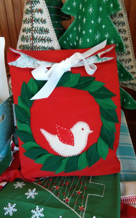Canvas Holiday Gift Bag, Reuseable Christmas Fabric Gift Bag, Made in Maine, Wreath, Christmas Tree, Poinsettia