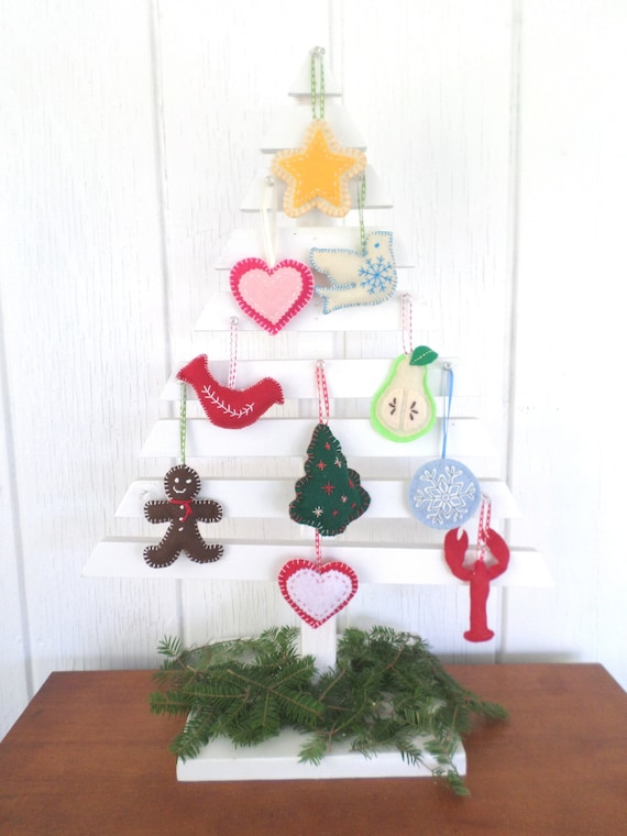 Holiday Ornament DIY Kit Set, Beginner Sewing / Embroidery Activity Kit