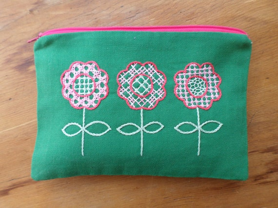 Scandi Flowers Zipper Bag / Hallandssöm Hand Embroidered Traditional Swedish Folk Embroidery Clutch / Spring Flowers Purse / Made in Maine