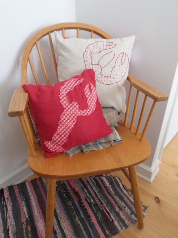 Red Maine Lobster Linen Throw Pillow, Hand Embroidered Throw Pillow, Brodera Hallandssom Folk Design, Made in Maine