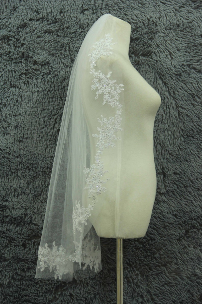 Lace Wedding Veil,Bridal Veil,ivory veil,Wedding Gifts,Floral veil,1 Tier veil,Elbow veil,white veil,Sequined veil,Tulle veil,comb veil