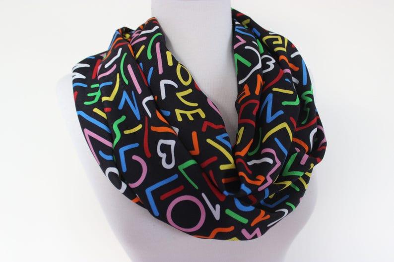 8a4af612031 Amour foulard écharpe de lécriture livre foulard infini