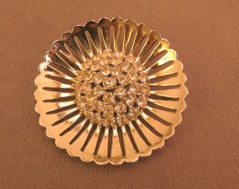 Beautiful Rhinestone Flower Pin Signed Weiss 1950-60s