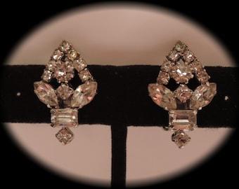 c1950 Rhinestone Clip Earrings