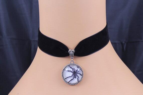 Black Velvet Choker//Necklace Blue Glass Lampwork Evil Eye Bead Halloween UK