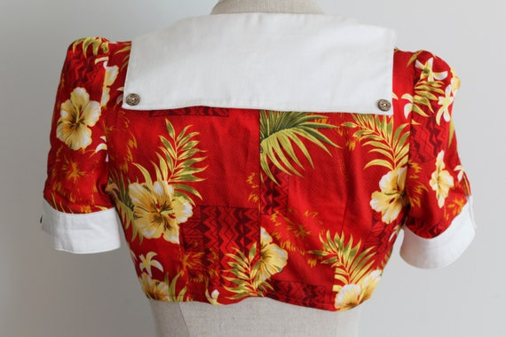 Red Hibiscus Top 1940s Style Cropped Sailor Hawai… - image 4