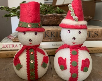 It doesn/'t snow often in San Antonio Texas San Antonio Snowman and Snowlady but when it does this is what heshe would look like!
