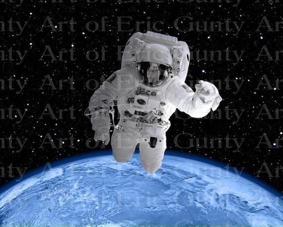 Spaceman Floating Astronaut Birthday ~ Edible 2D Fondant Birthday Cake/Cupcake Topper ~ D24022