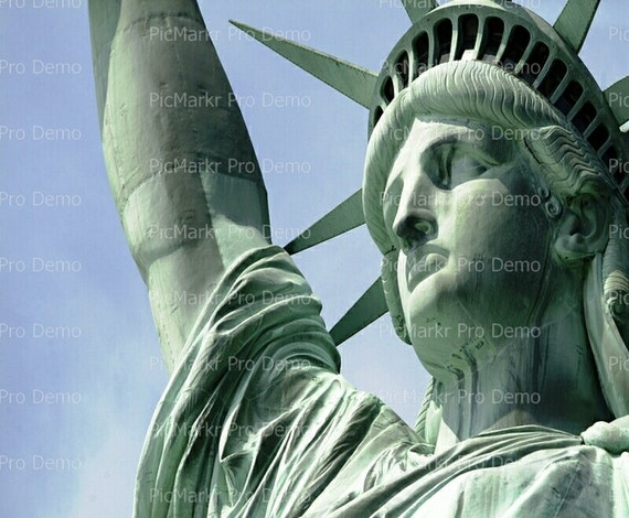 Statue of Liberty America - Edible Cake and Cupcake Topper For Birthday's and Parties! - D1362