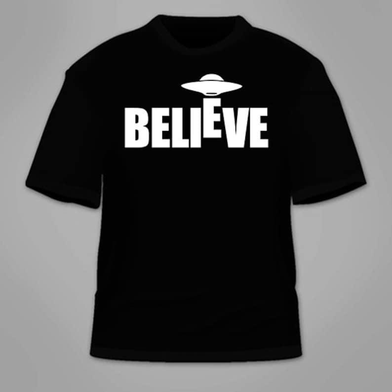 TOP GEEK GIRL TEE BLACK FUNNY UFO THEORY WOMENS T-SHIRT WITH BIG BANG ALIEN