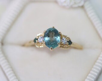 1 carat Montana Sapphire Engagement Ring, 3 Stone Sapphire Ring, Leaf Wreath Ring, 5 stone Ring, Teal Sapphire Ring, Size 5, Ready To Ship
