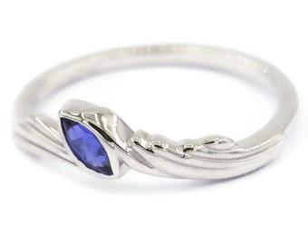 Dainty Filigree Wedding Ring by Irina
