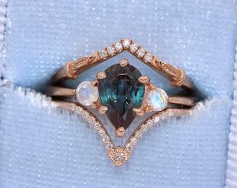 Pear Lab Alexandrite Ring, Three Stone Ring, 14k Rose Gold Ready To Ship Ring, 3 Stone Ring, Moonstone Ring