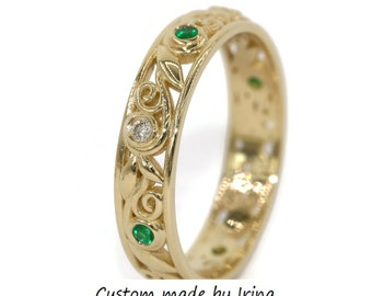Rustic Filigree Yellow gold leaf eternity wedding ring with alternating diamonds and emeralds, Vintage inspired scroll pattern wedding band