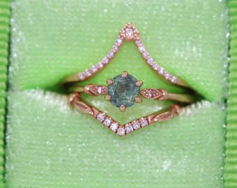 Pastel Green Montana Sapphire Mini Ring