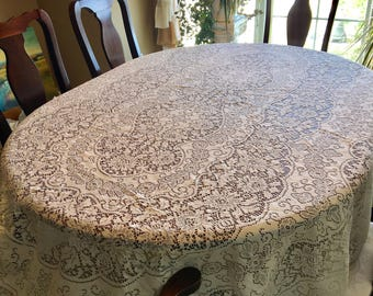 Ordinaire Quick View. Vintage Oval Table Cloth In Creamy Lace.