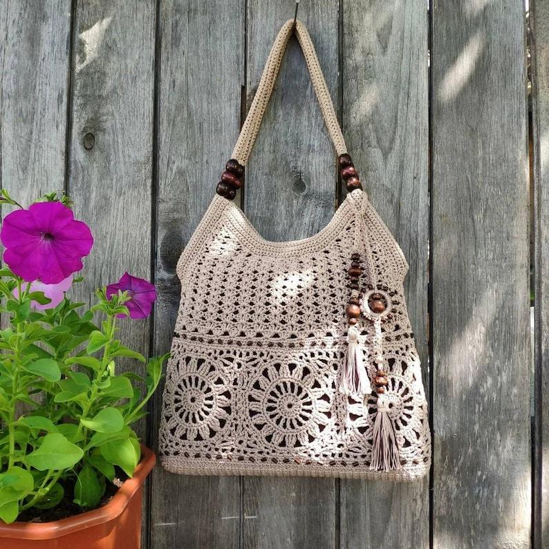 Crochet  bag pattern for women-Crochet  handbag pattern image 2